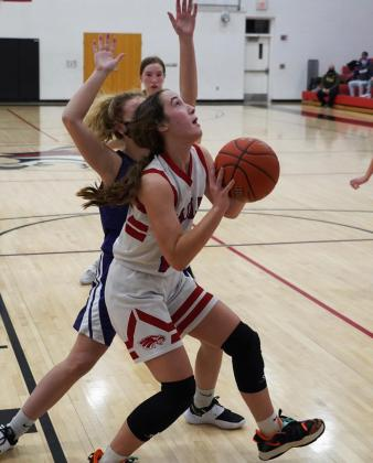 Undefeated Clifton-Clyde girls claim back-to-back league championships